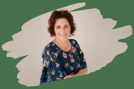Leeann Bassett - Face Up Now Social Media Consultant